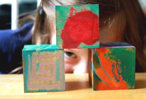 DIY wooden blocks - peeking