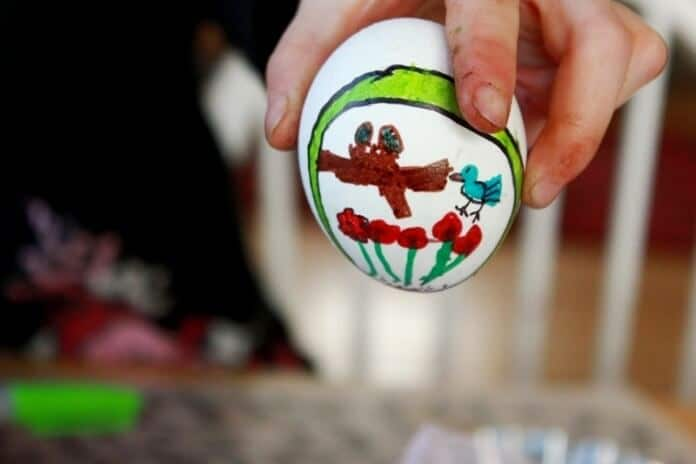Easter Eggs Drawing in Frames 23