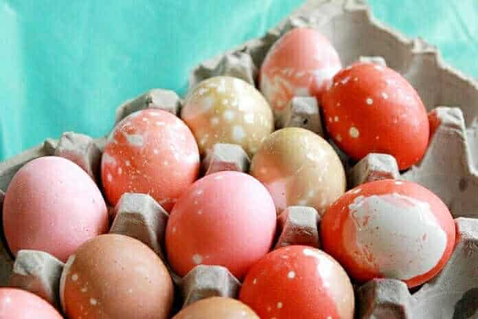 How to Marble Easter Eggs with Kool-Aid