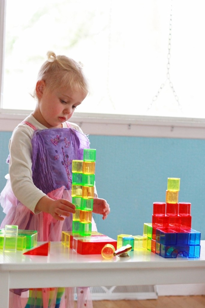 Fiona building with the translucent building blocks