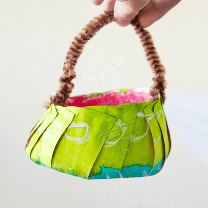 DIY-Mini-Easter-Baskets-from-Paper-Plates-Square